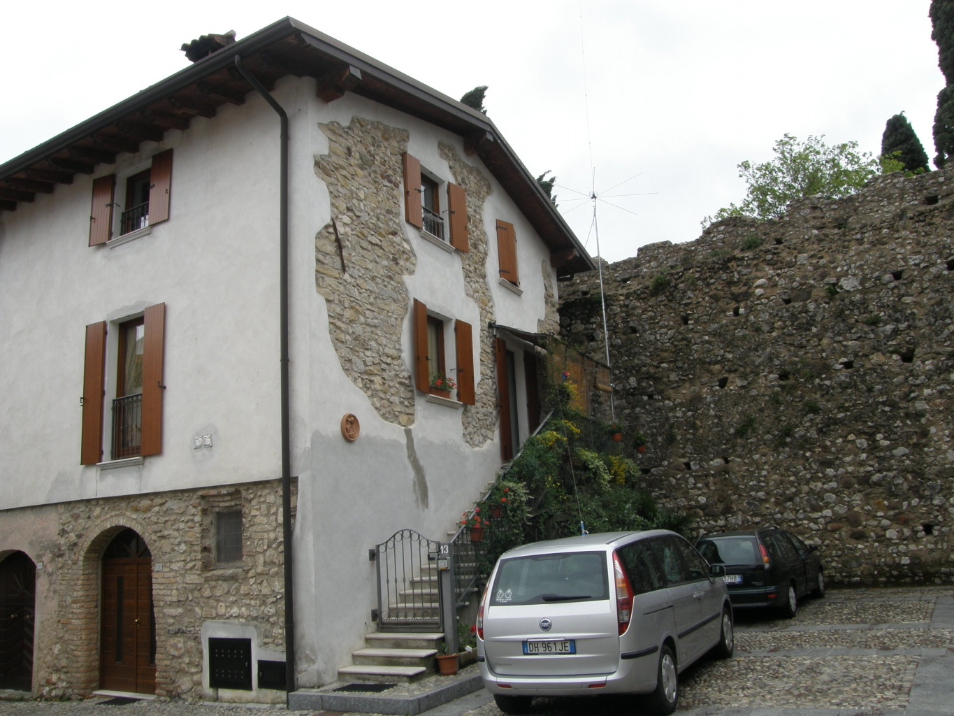 House for 20 euro – to buy or not to buy